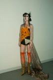 Vivienne Westwood Shanghai Erscheinen-Bühne hinter dem Vorhang Stockfotografie