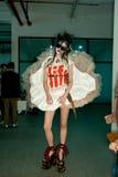 Vivienne Westwood Shanghai Erscheinen-Bühne hinter dem Vorhang lizenzfreie stockbilder