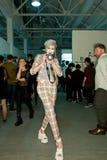 Vivienne Westwood Shanghai Erscheinen-Bühne hinter dem Vorhang stockbild