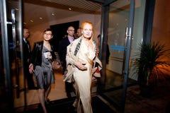 Vivienne Westwood Shanghai Erscheinen-Bühne hinter dem Vorhang stockbilder