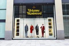 Vivienne Westwood-Speicherfront mit Handelssignage lizenzfreie stockbilder