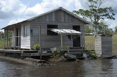 Vivre au fleuve d'Amazone Photos libres de droits