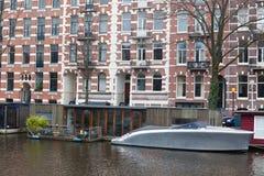 Vivre sur l'eau à Amsterdam Photographie stock libre de droits