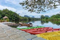 Viwe озера утра Krabi стоковые изображения