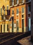 Vizinhança de Alfama em Lisboa Fotografia de Stock Royalty Free