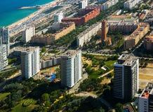 Vizinhanças modernas de Barcelona na Espanha, vista aérea imagens de stock royalty free