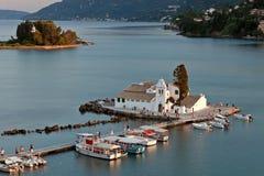 vlacherna för corfu greece klostersolnedgång Royaltyfria Bilder