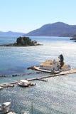Vlacherna kloster och Pontikonisi, Grekland Fotografering för Bildbyråer