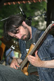 Vladimir Gochua le guitariste de la bande Images stock