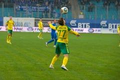 Vladimir Lobkarev (77) no jogo de futebol Fotografia de Stock Royalty Free