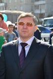 Vladimir Yakushev på den officiella öppningen av en ny trafikgenomskärning på Melnikayte St., Tyumen. Royaltyfria Bilder