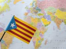 Vlag van Catalonië van de wereldkaart Royalty-vrije Stock Afbeeldingen