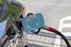 Vlag van de Zuid-Pacifische Commissie op de de vullerklep van de auto` s brandstof royalty-vrije stock foto