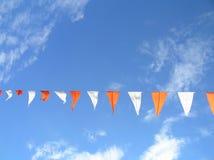 Vlaggen in de hemel Stock Afbeelding