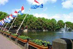 Vlaggen en fontein Royalty-vrije Stock Afbeeldingen