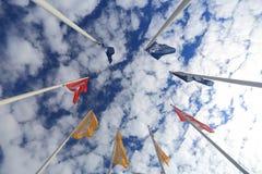 Vlaggen met Ikea-embleem Stock Afbeeldingen