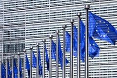 Vlaggen op de Europese Commissie in Brussel Stock Afbeeldingen