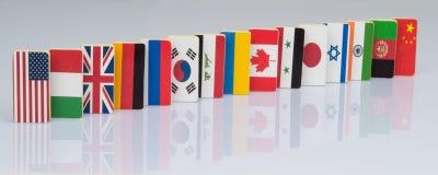 Vlaggen op witte oppervlakte Royalty-vrije Stock Foto's