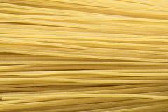 Vlak leg omhoog, sluit, ruwe spaghetti stock foto's