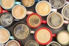 Vlak leg samenstelling met koppen van koffie royalty-vrije stock afbeelding