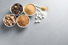 Vlak leg samenstelling met verschillende types van suiker Stock Afbeeldingen