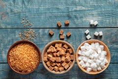 Vlak leg samenstelling met verschillende types van suiker Stock Foto's