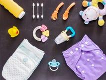 Vlak leg van babyreeks met doekluier Stock Fotografie