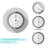 Vlak pictogram om klok met schaduw Stock Afbeeldingen