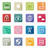 Vlakke de wolk van het pictogrammennetwerk gegevensverwerking en witte achtergrond Royalty-vrije Stock Afbeelding