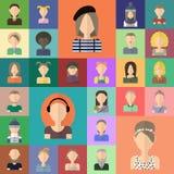 Vlakke geplaatste mensenpictogrammen Royalty-vrije Stock Foto's