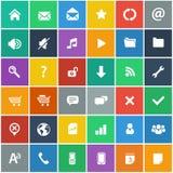 Vlakke geplaatste pictogrammen - basisinternet & mobiele geplaatste pictogrammen Stock Foto's