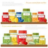 Vlakke illustratie van plank met glaskruiken van verschillende fruitjam en ingeblikte groenten Stock Foto's