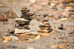 Vlakke Kiezelsteenbrug in Regen Stock Afbeeldingen