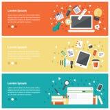 Vlakke ontwerpconcepten voor online onderwijs, online trainingscursus Royalty-vrije Stock Foto's