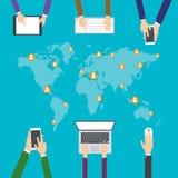Vlakke ontwerpillustratie, Internet die, Elektronische handel winkelen sociaal media netwerken en communicatie concept Stock Afbeeldingen