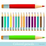 Vlakke reeks kleurenpotloden op wit Royalty-vrije Stock Afbeeldingen
