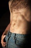 Vlakke sportieve mannelijke buik Brede die Hoeklens door Lens GLB in het Midden wordt behandeld stock afbeeldingen