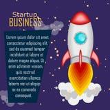 Vlakke stijl, vectorillustratie met vliegende raket, ruimtevaart aan de maan, projectopstarten en ontwikkelingsproces Stock Fotografie