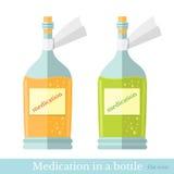 Vlakke twee glasflessen met yelow en groen mengsel of medicijn Stock Foto
