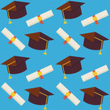 Vlakke Vector Naadloze Patroongediplomeerde van Schoolhoed en Diplom Royalty-vrije Stock Afbeeldingen