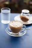 Vlakke witte koffie Stock Foto