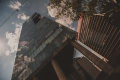 Vlakte over de stad Royalty-vrije Stock Afbeelding