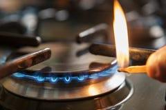 Vlam van een gasfornuis Stock Foto's
