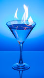 Vlammende Blauwe Martini Royalty-vrije Stock Foto