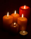 Vlammende kaarsen stock afbeelding