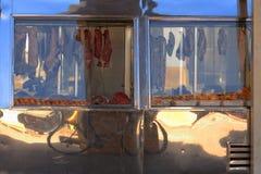 Vlees bij vertoning bij de slachterij royalty-vrije stock foto