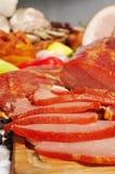 Vlees dat in stukken wordt gesneden Royalty-vrije Stock Foto