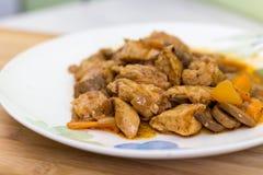Vlees en groenten op schotel Royalty-vrije Stock Fotografie