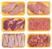 Vlees op dienbladen Stock Foto's