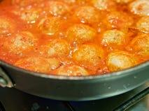 vleesballen met tomatoesaus royalty-vrije stock afbeeldingen